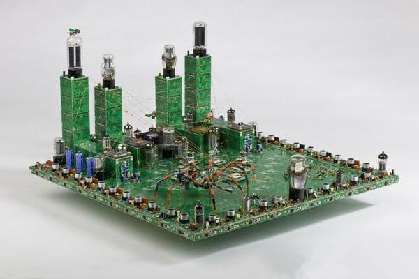 分享一组废旧电路板的艺术品