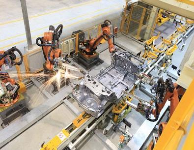 洪都L15高教机全面升级自动焊接机器人