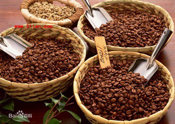 据日媒10.19号报道,日本近日由中部电力组织成功开发出微波焙烤咖啡豆。研究表明咖啡豆的品质对咖啡的口感等影响非常大,中部电力专注于咖啡豆焙煎中的加热方法,成功开发了微波照射加热技术。咖啡豆的成分在微波的照射下发生了一些微妙的改变,可抑制苦味和涩味等不良口感。对速溶咖啡的原料加工后,味道更香、口感更佳。 中部电力也开发出的此种方法对其他食品焙烤的放大,已经在申请埼玉县的专利。这种设备将于明后两日,在日本名古屋举行的技术展览会上展出。这种创新的技术可能会给加工行业带来新的形式。