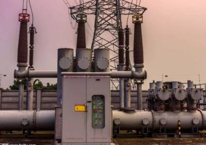 变电站对侵入波防护的主要措施是在其进线上装设阀型避雷器.图片