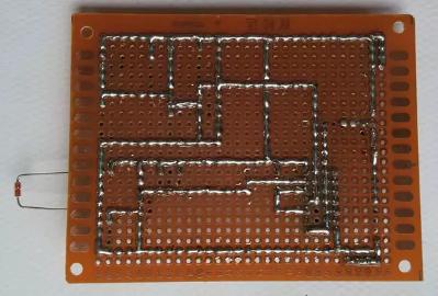 (2)模拟电子蜡烛电路调试    制作完成后,接上5v直流电压,用打火机