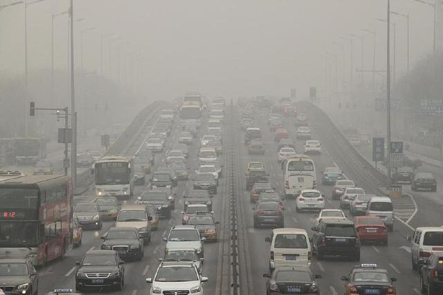 汽车尾气排放污染