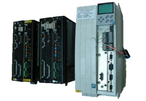 第三部分是电机控制电路,主电路采用数字信号处理器作为控制核心,可以