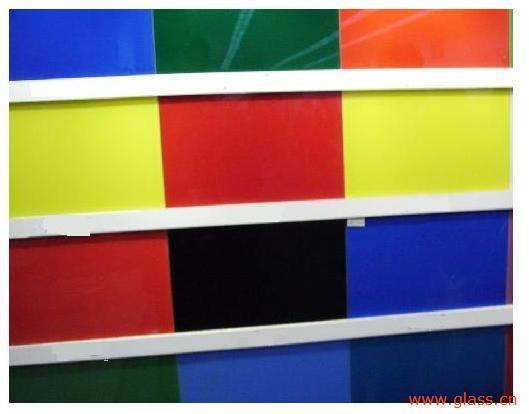 玻璃的颜色如何形成的?
