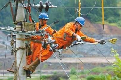 农村10kV配电网抢修工作顺利完成的条件