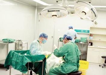 Joseph Lister:在手术治疗中应用灭菌系统