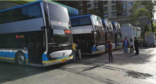 新一批银隆钛纯电动客车在京公交10路运营