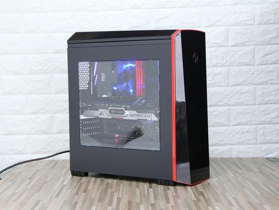先马阴阳师机箱ATX架构设计一黑一白个性十足