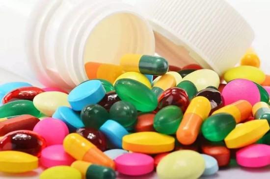 哪些药物不宜用热水送服:维生素、糖浆、阿莫西林等