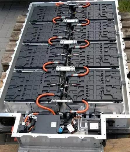 解析BMW i3电池系统及冷却方案