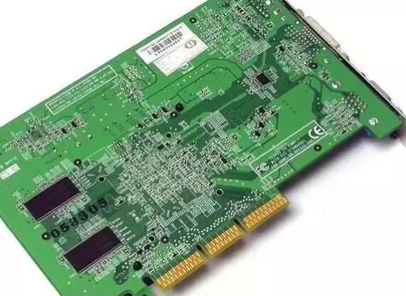 PCB板色设计为什么一般选择绿色