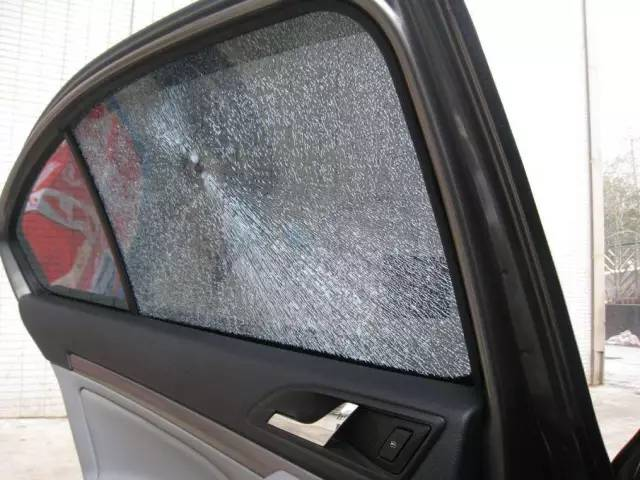车窗玻璃这些小细节你也忽略?小心酿成大祸!