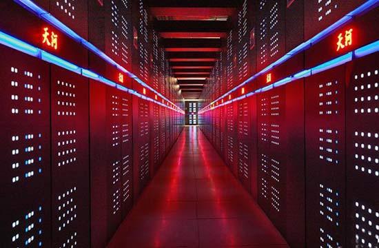 美国超级计算机技术面对中国咄咄逼人!