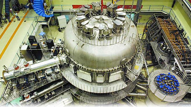 全超导托卡马克(EAST)东方超环实现101.2秒稳态长脉冲高约束等离子体运行