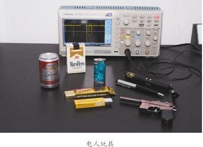 电人玩具原理:升压变压器将电压放大数倍