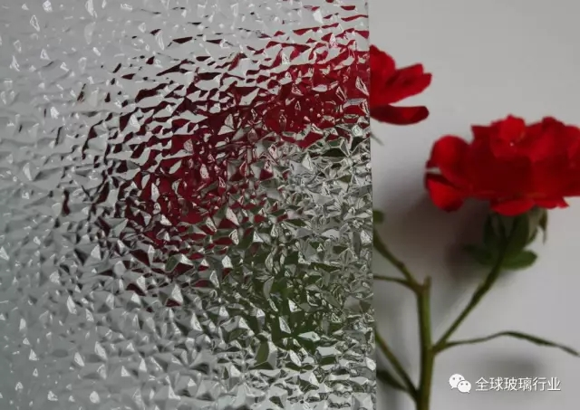浅谈装修中常用的玻璃类型及使用特点