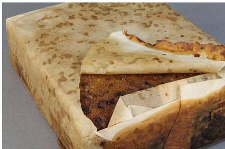 南极东部阿代尔角发现100年前的蛋糕,几乎可以吃