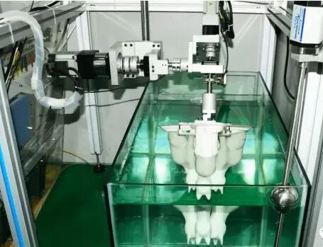 科学家们用水和机器人来创建3D扫描技术