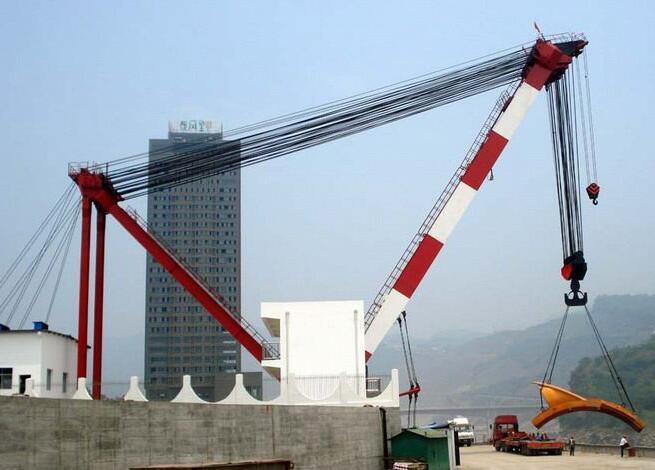 桅杆起重机结构 | 桅杆的分类及基本工作形式