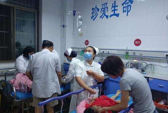 南昌3家幼儿园121名幼儿食物中毒:吉利蛋糕店生产的草莓蛋卷!