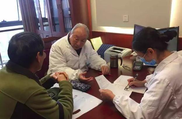 杨少山:94岁老中医每周都出诊