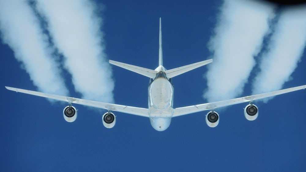 科学前沿——使用生物燃料可以减少飞机的排放污染