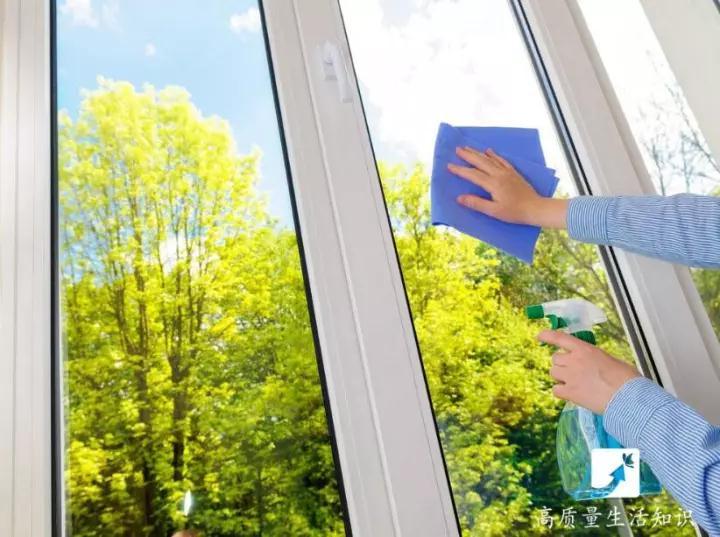 家里玻璃怎么擦最干净?用这几个方法简单又方便