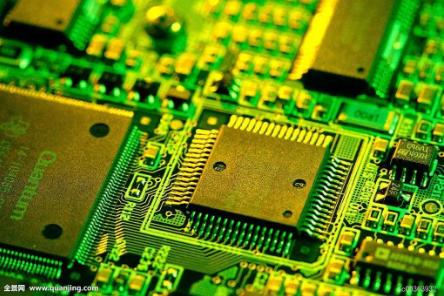 实践证明,即使电路原理图设计正确,印制电路板设计不当,也会对电子