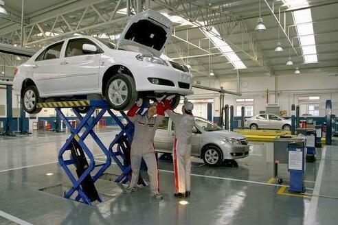 4s店汽车保养流程及保养内容,新车首保注意事项!