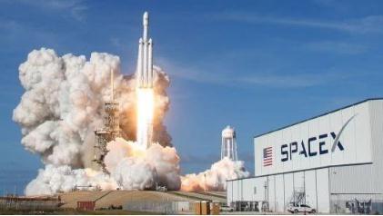 "SpaceX载人飞船最新消息:已确定SpaceX的""猎鹰9号""火箭首次发射时间"