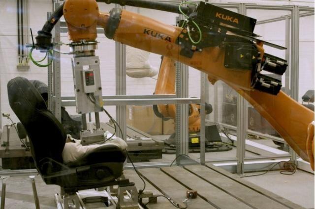 福特推出Robutt臀部模拟器,以测试座椅是否能够应付汗水的侵袭