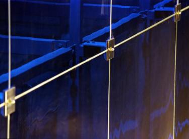 英科学家研发出一种将玻璃和金属通过超高速激光系统焊接在一起的方法