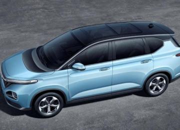 宝骏战略转型第二款车型RM-5内饰官图公布,或将于今年下半年上市