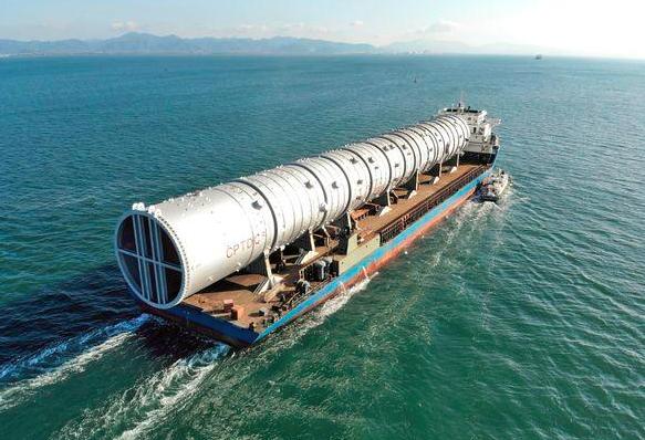 中国造全球最大常压塔启运尼日利亚 助力全球最大单系列炼厂