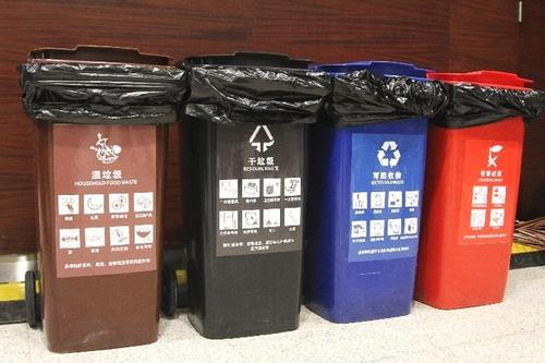 上海完成1.7万个垃圾分类投放点改造 定时定点作业时段适当调整