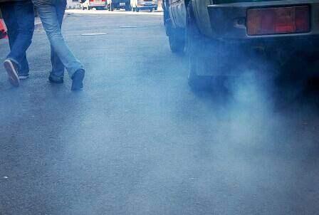 汽车烧机油的表现、原因、解决方法