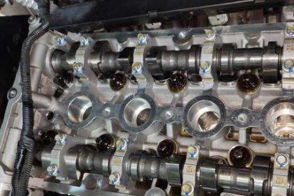 发动机缺缸的原因、解决方法、表现,发动机缺缸还能开吗?