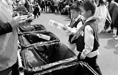 《西安市生活垃圾分类管理办法》将于9月1日实行,西安进入垃圾分类强制时代