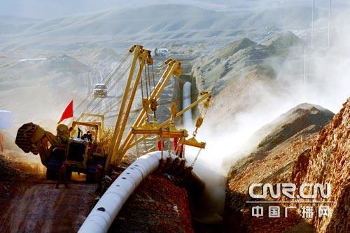 华油工建公司闽粤支干线项目主体焊接过半