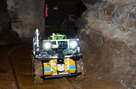 煤矿机器人成热点  发展机器人已成刚需