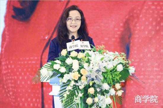 安踏集团副总裁李玲:一款999元的产品可以卖到县级市,被一抢而空