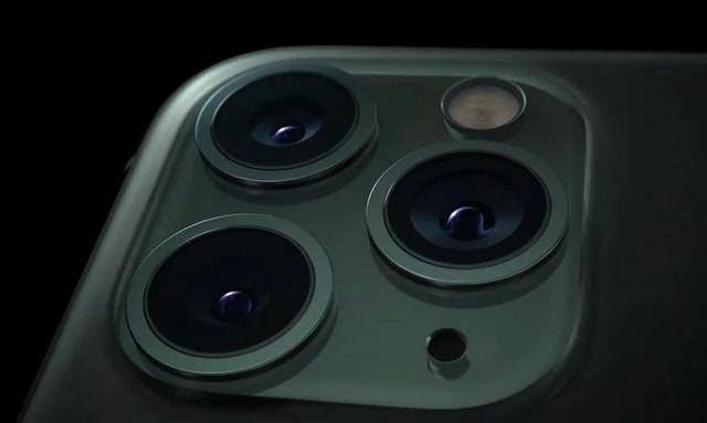 iPhone 11 Pro的背面为什么有三个摄像头?