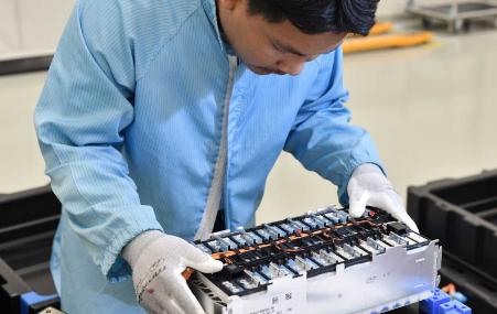 宝马与德拉克斯迈尔集团合作,开始在泰国生产电池