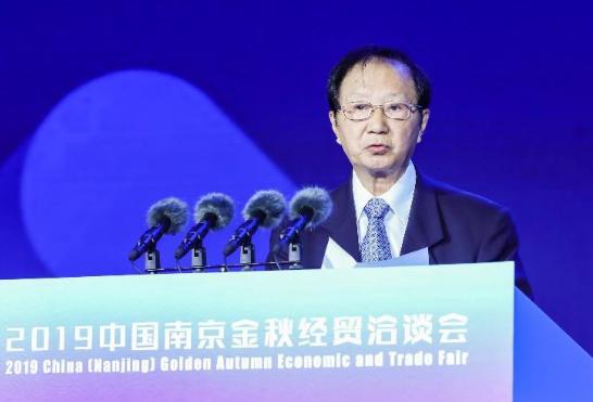 中国电动汽车百人会理事长陈清泰:汽车强国的底层是零部件强国