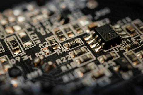 晶圆代工之争战情复杂 新生晶圆代工企业该如何应对?
