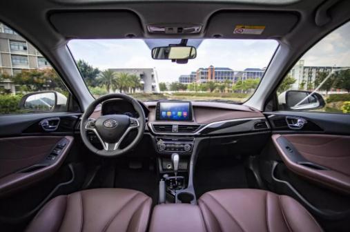 东南汽车A5翼舞用长度、角度、精度诠释动感与美感