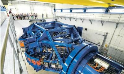 德国西门子制造世界最大医疗设备,重670吨