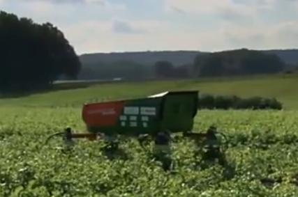 """德国发明""""除草""""机器人,一小时就是3亩地,农民伯伯的好帮手"""