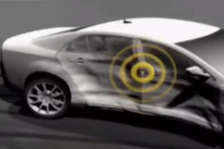 美国研发汽车车祸自动报警器,看生产才知命悬一线时它多关键