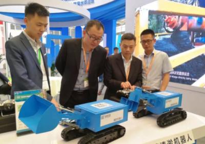 恒通环境国内最先进的地下排水管网清淤机器人亮相上海